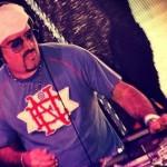 DJ Hum: 30 anos de baile e pioneirismo